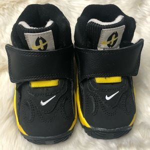 NIke Speed Turf Infant Basketball Sneakers, sz 5C